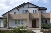 開放的な大屋根の家