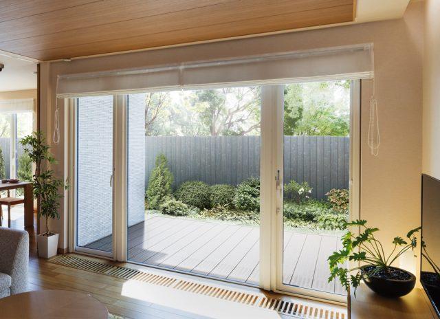 YKKAPから、北海道限定のLow-E複層ガラス樹脂窓を発売