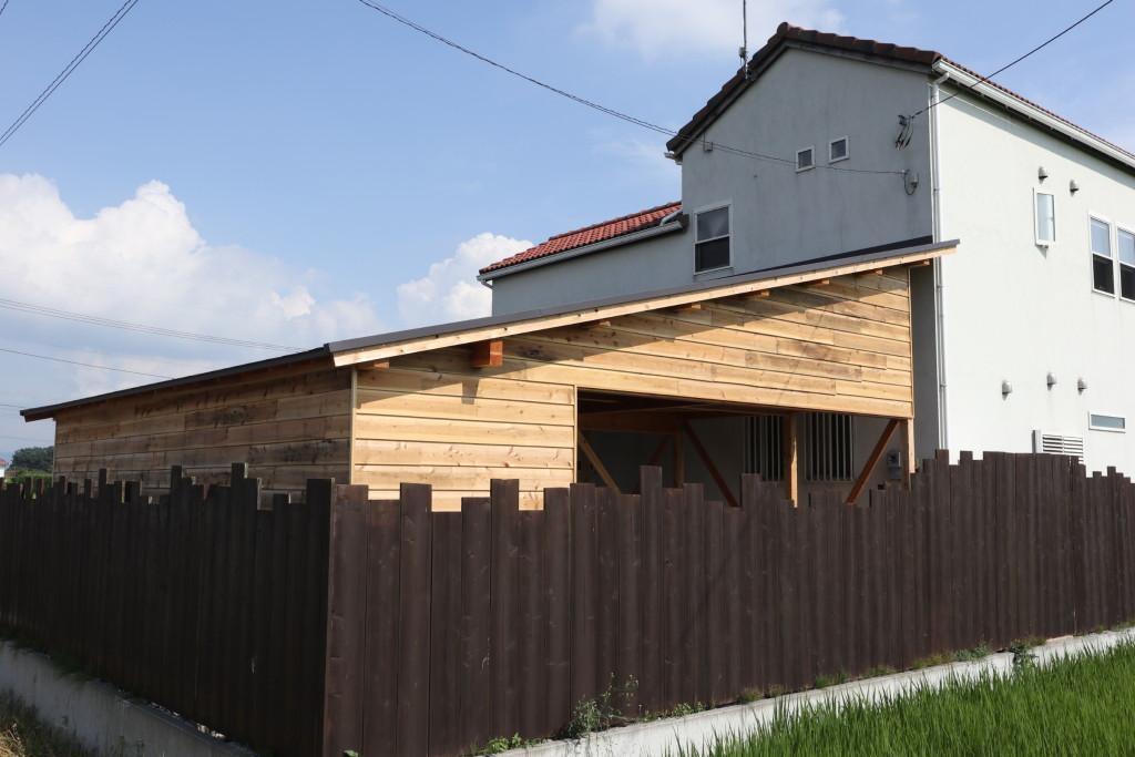 茨城県筑西市内、注文住宅と同じように手掛けた車庫が完成しました!