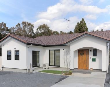 ロフトのある新感覚「平屋」プロヴァンス風の注文住宅
