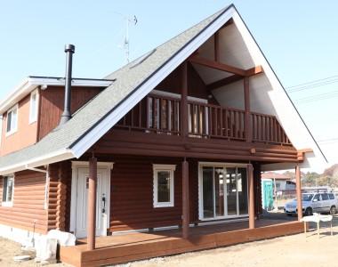 国産の無垢材を使用した「木の家」ログハウス注文住宅