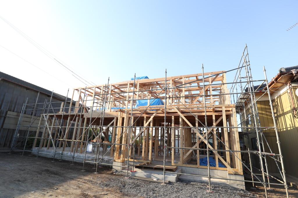 茨城県筑西市注文住宅「総タイル貼りの二世帯住宅」上棟しました!