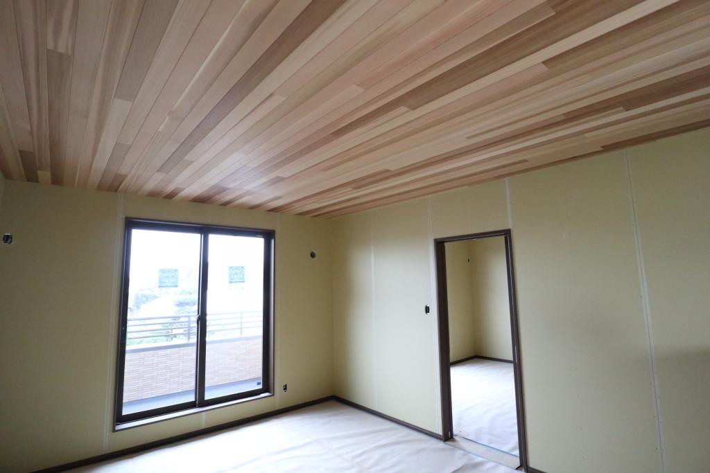 茨城県筑西市「総タイルの二世帯注文住宅」完成が近づいてきました!