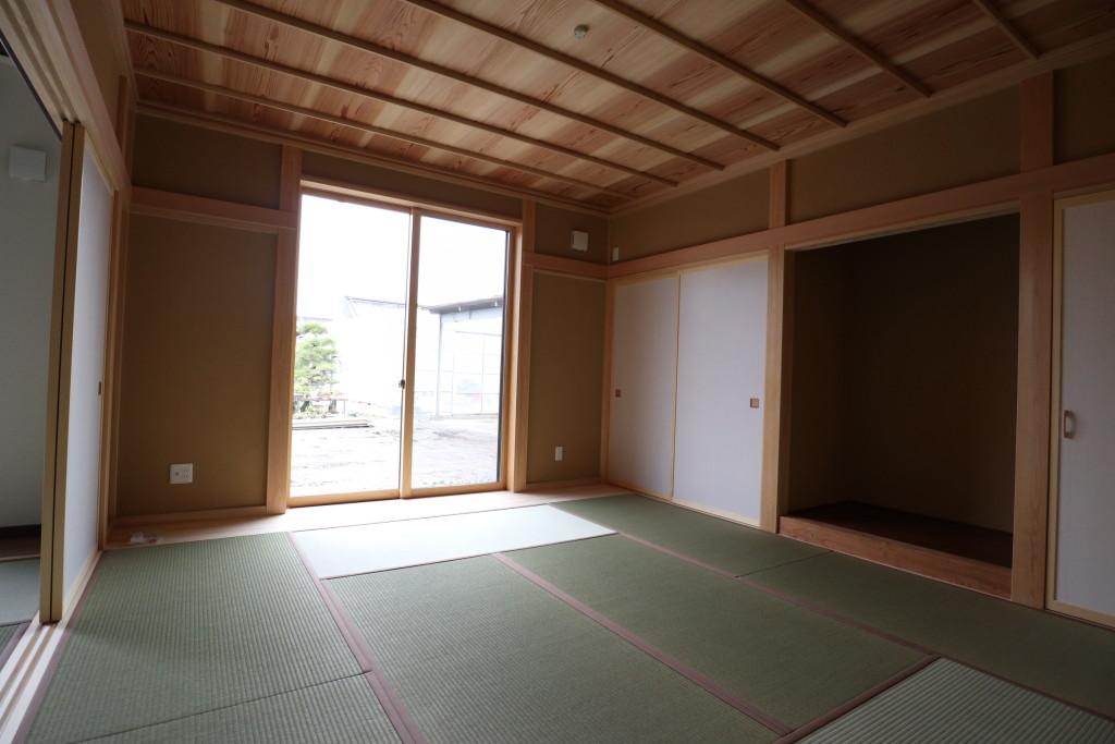 茨城県筑西市「総タイル貼りの二世帯注文住宅」完成しました!