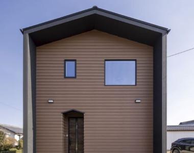 「スタイリッシュな三角屋根」の注文住宅